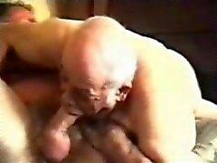 Storico omosessuali grandpa a succhiare uomo maturo.
