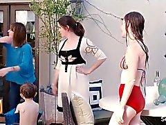Anna Kendrick sowie Rosemarie Witt - Graben für Fire