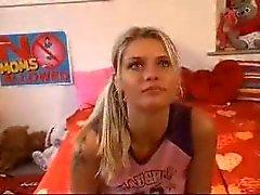 Porno döküm amatör Tania M22