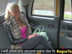 Finnish Babe táxi fode pau entre bigtits