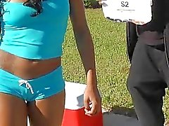 Teen ebony Hazel verkoop van water , maar werd opgepakt