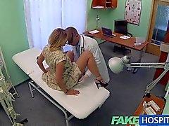 FakeHospital - Arzt nimmt reizvollen russians