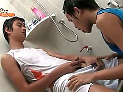 Gay Asian Piss à 20