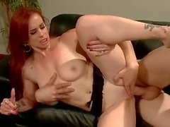 Mistress Red Head Training Kurkkaa hyvin