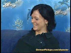 adolescente alemán recogido para su primer anal