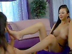 degli schiavi lesbico lecchi piede