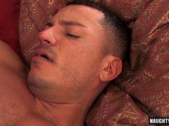 Latin Homosexuell Oralsex und Cumshot