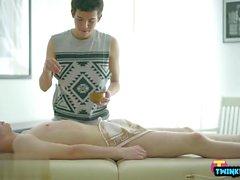 Russian Twinks Bareback mit Gesichtsbesamung