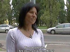 Sexy kypsä nai jälkeen ostoksia