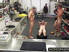 Kuuman homo- nai rahaksi kaupassa