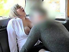 Natural busty ŞİŞMAN GÜZEL KADINLAR rimming bir taksi şoförü