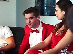 Papá pollas folla a los adolescentes virgen bustos de graduación