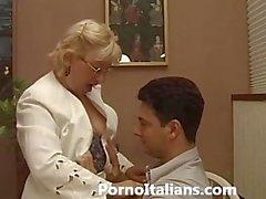 Итальянский зрелым Оральный - Italiana Матура фа pompino Ragazzo eccitato