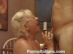 Blowjob maduras italienische - la maduración italiana ed pompino una ragazzo eccitato