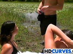 Chicas enormes del asno Brittany Shae y Victoria Roxx