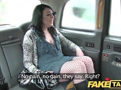Fake Taxi gefangen von Sicherheit vor großen Gesichts-Cumshot