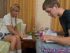 Uniformed néerlandais teen anal
