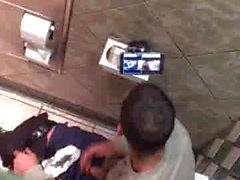 Str8 парень в общественного туалета