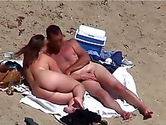 AmateursSex on the Beach
