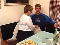 Mollig Oudere met jonge man