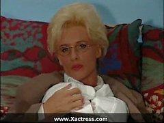 Alemão mulher madura com tesão clássico no escritório