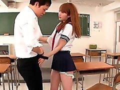 Japanischen Schul bei Schulklassen anschließendem Cumshot