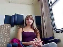 Schattig amateur Tsjechische meisje Gina Gerson bonsde voor wat geld
