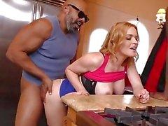 Krissy Lynn [HD, interracial, ganzer Sex, große Titten, großer Arsch, großer Schwanz]
