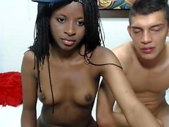 Sexy Ebenholz Amateur Teen Girl vor der Webcam
