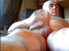 grandpa play on webcam