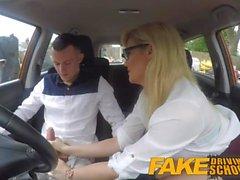 Fake Driving School Learners nervos calmado pelo puto examinador loiro quente