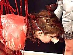 BDSM acción hardcore con cuerdas y golpes extremos