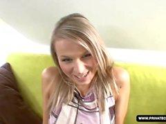 Wannabe Mia suga Dick na câmera pela primeira vez