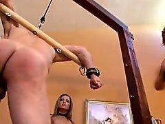Extreme Dominanten folterten Sklave