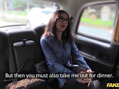 Sahte Taksi ispanyolca hatun harika göğüsleri ve eşek vardır
