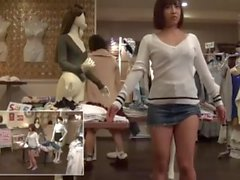 Mannequin Challenge in Clothes Store