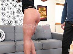 EXPOSED CASTING - Audición anal con un chico flaco ruso