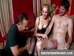 Prostitué dutch reprend un soin visage