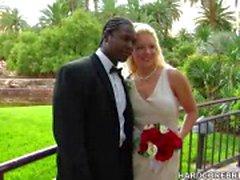 Bruden och brudgummen knull av deras stora dag