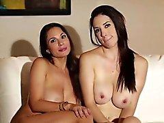 Busty çıplak lezbiyenler bts