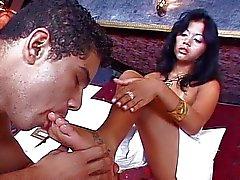 Latin på slinka knullar en twink