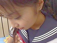 Japon kız öğrenci sikikleri ve kırlangıçlar