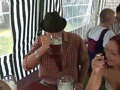 Seksuaalinen vimma Oktoberfest pt 1 - More On HDMilfCam com