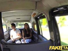 Falso Taxi alto, a beleza espanhola foda-se na parte de trás