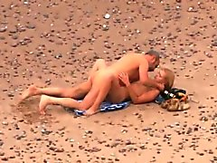 Fottuto on beach cinque