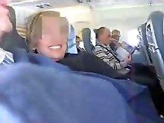 Pareja de españoles Pajón loco a un avión de ( increíble)