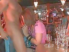 Darlings estamos tendo atos sexuais em público selvagens com camarada