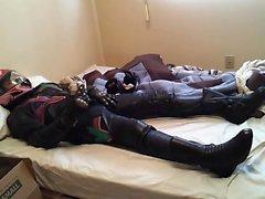 Frän strumpor i helmet , feminin läder motorcykel Equipme