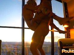 EDC Vegas Candy Girl brutalmente sbronza scopata dentro la finestra di Luxor