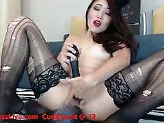 Borracho quente dá massagem fetiche asiática e fode grande galo
